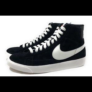 Nike Blazer Vintage Women's Suede Lifestyle Shoes
